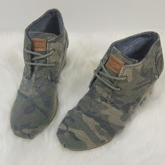 0cdf940636e Toms Wedges Camo Desert Wedge Bootie sz 6.5. M 5a3f09733afbbd7d73064559